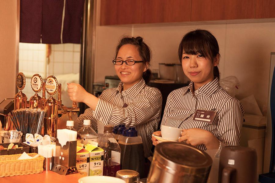 洋食&ビール 自由亭新梅田 画像右2